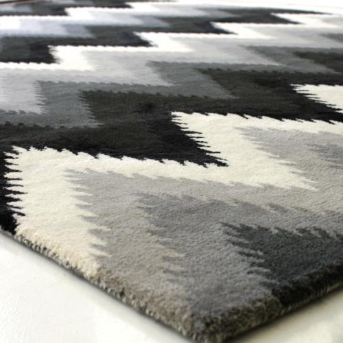 Storų kilimų valymas 7€/m2